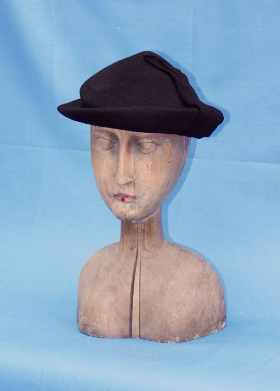 b2c2fe92f6c neurčený autor - klobouk černý plstěný